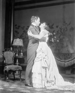 Katharine Cornell and Rollo Peters as Ellen and Newland?