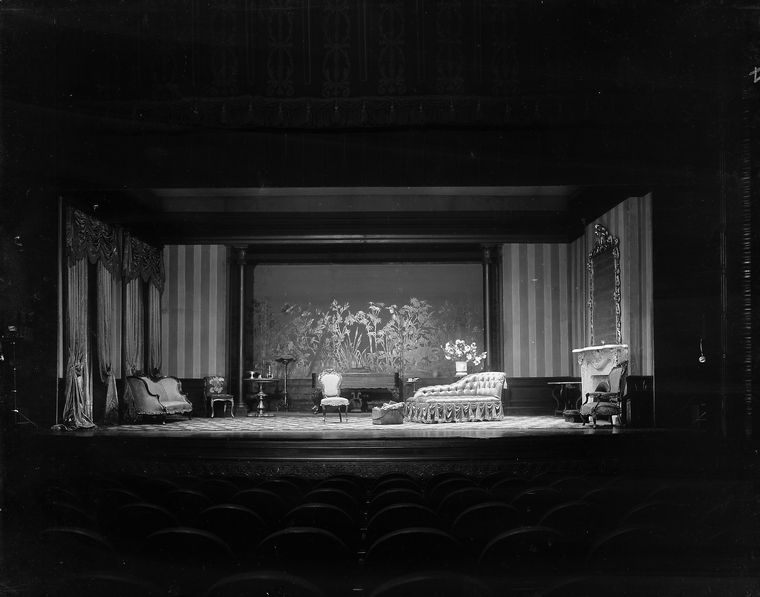 Setting from 'Age of innocence' (1929) designed by Cleon Throckmorton.