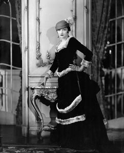 Katharine Cornell in The Age of Innocence. Costume designed by Berbier ans executed by 'Worth of Paris'.