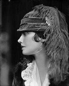 Katharine Cornell (as Ellen) in the Age of Innocence.
