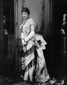 Katharine Cornell as Ellen Olenska in The Age of Innocence, NYC: Empire Theatre, 1928. Costume designed by 'Berbier' and executed by 'Worth of Paris'.