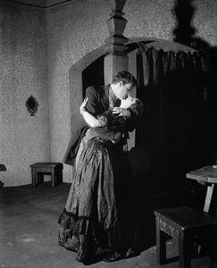 Lynn Fontanne (Agrafena) and Alfred Lunt (Dmitri).