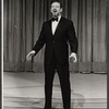 "Earl Wrightson performing in the ""Thanksgiving Celebration"" episode of The Bell Telephone Hour [November 24, 1964]"