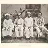Pilger aus Pontianak (West-Borneo); links ein dort ansässiger Araber aus Hadhramaut.