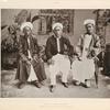 Pilger aus Batjan (Molukken) [Moluku]. Sohn des Sultans, Oheim des Prinzen und ein Priester.