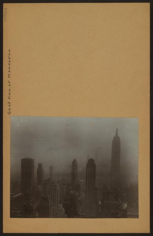 General view - Manhattan - [Empire State Building.]