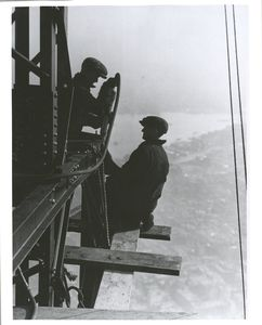 Workers on Empire State building