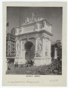 Dewey Arch.