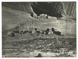 Ruins of cliff dwellings, Canon de Chelly