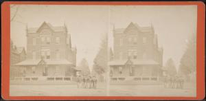 [Group of soldiers in uniform in front of building.]