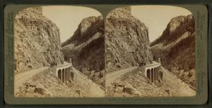 Golden Gate, entrance to picturesque ravine of golden rocks - Yellowstone Park, U.S.A.