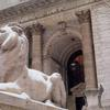 Sculpture of lion in front of New York Public Library
